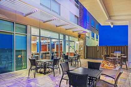 Terrace/Patio | Holiday Inn Express & Suites Chanute