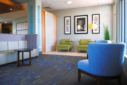 Interior | Holiday Inn Express & Suites Columbia City