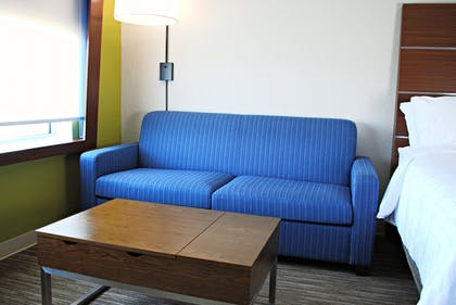 Room | Holiday Inn Express & Suites Columbia City