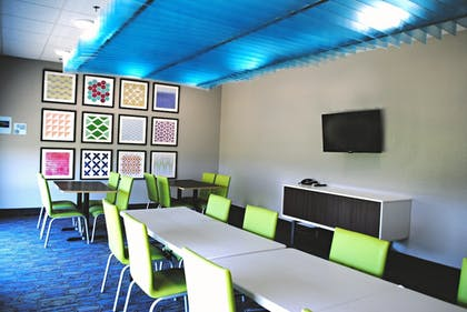 Meeting Facility | Holiday Inn Express & Suites Columbia City