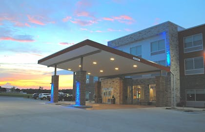 Featured Image | Holiday Inn Express & Suites Columbia City