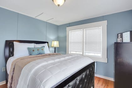 Guestroom | Allenberry Resort
