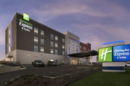 Featured Image | Holiday Inn Express & Suites San Antonio North - Windcrest