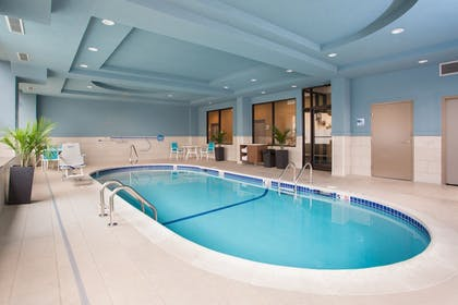Pool | Holiday Inn Express Springfield Downtown