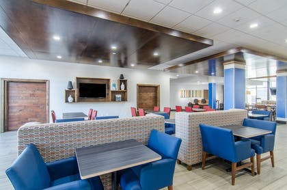 Restaurant | Holiday Inn Express & Suites Atchison