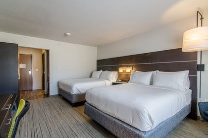 Guestroom | Holiday Inn Express & Suites Atchison