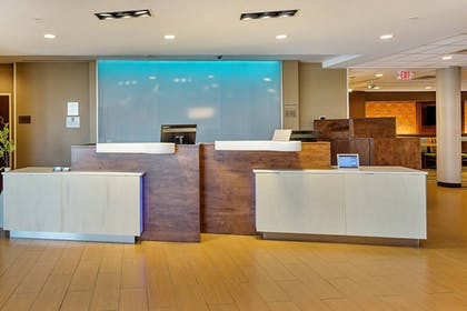 Lobby | Fairfield Inn & Suites by Marriott Abingdon