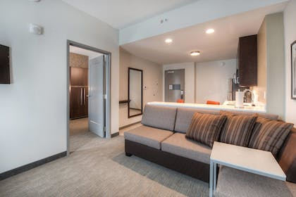 Guestroom | Residence Inn by Marriott Raleigh Downtown