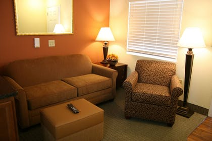 Living Area | Affordable Suites Mooresville LakeNorman