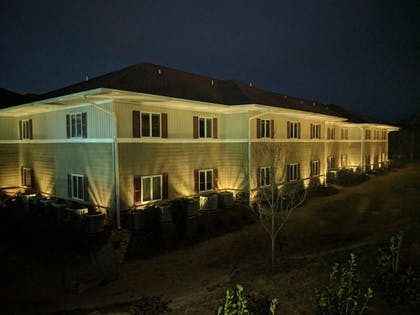 Hotel Front | Affordable Suites Mooresville LakeNorman