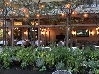 Outdoor Dining | Delamar West Hartford