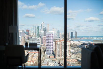 Guestroom View | Marriott Marquis Chicago