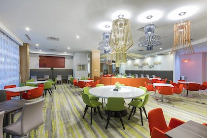 Restaurant | TownePlace Suites by Marriott Orlando at SeaWorld
