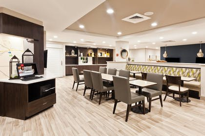 Restaurant | TownePlace Suites by Marriott Montgomery EastChase