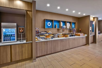 Restaurant | SpringHill Suites by Marriott Pittsburgh Butler/Centre City