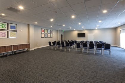 Meeting Facility | Holiday Inn Express & Suites Seattle South - Tukwila