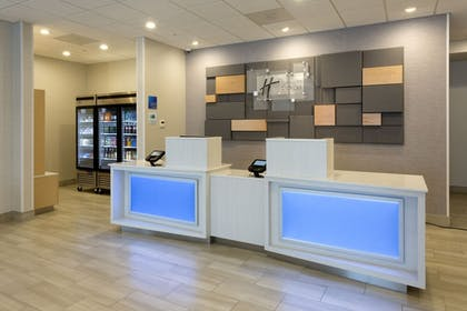Lobby | Holiday Inn Express & Suites Seattle South - Tukwila