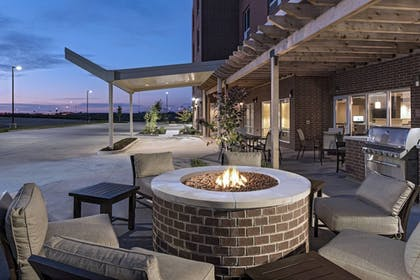 BBQ/Picnic Area | TownePlace Suites by Marriott Columbia