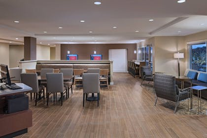 Restaurant | TownePlace Suites by Marriott Columbia