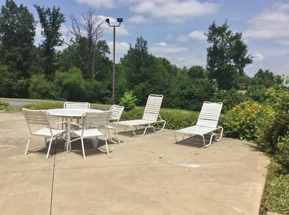 Terrace/Patio | Amerihost Inn & Suites Fulton