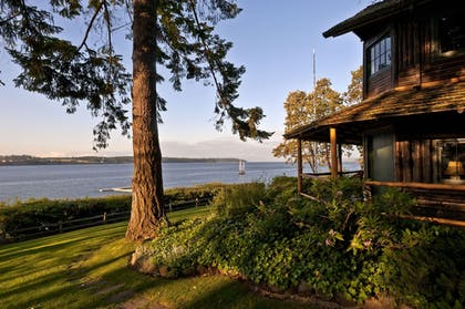 Exterior | Captain Whidbey