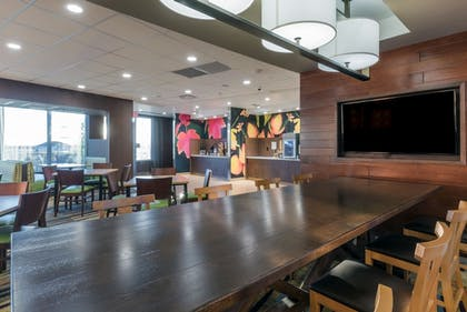Breakfast Area | Fairfield Inn and Suites by Marriott Moses Lake