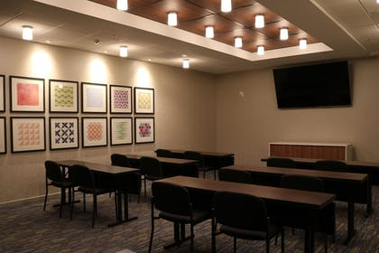 Meeting Facility | Holiday Inn Express & Suites Portland Airport - Cascade Stn