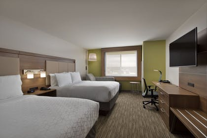 Guestroom | Holiday Inn Express & Suites Portland Airport - Cascade Stn