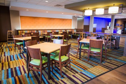 Restaurant | Fairfield Inn and Suites Denver Northeast Brighton