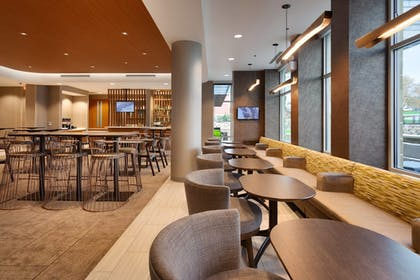 Hotel Bar | SpringHill Suites by Marriott Coralville