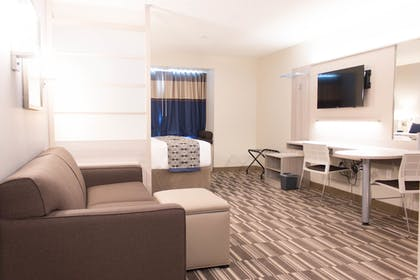 Living Room | Microtel Inn & Suites by Wyndham Springville/Provo