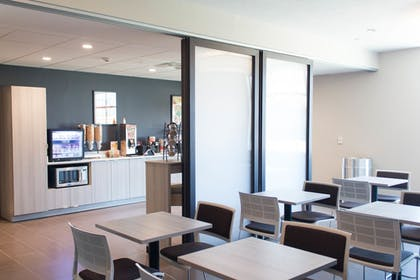 Breakfast Area | Microtel Inn & Suites by Wyndham Springville/Provo