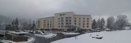 Hotel Front | Holiday Inn Hotel & Suites-Asheville-Biltmore VLG Area