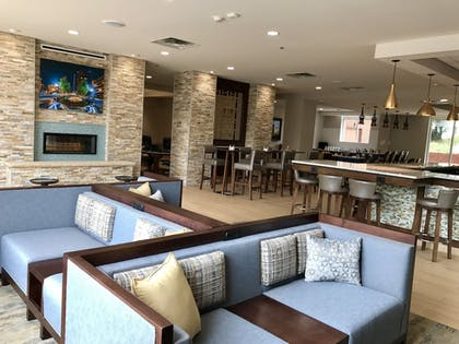 Lobby | Holiday Inn Hotel & Suites-Asheville-Biltmore VLG Area