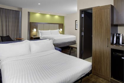Guestroom | Holiday Inn Express-Bronx
