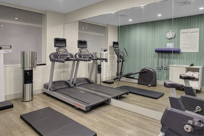 Fitness Facility | Holiday Inn Express-Bronx