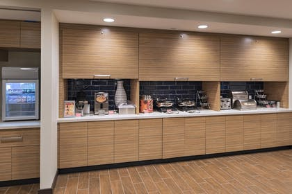 Restaurant | TownePlace Suites by Marriott Tacoma Lakewood