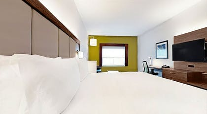 Guestroom | Holiday Inn Express & Suites Chalmette - New Orleans S