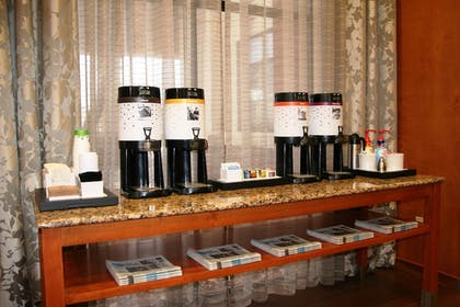 Coffee Service | Hampton Inn & Suites by Hilton Manchester - Bedford