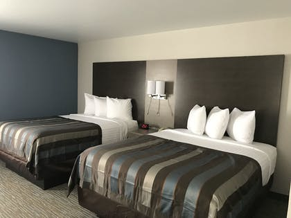 | 2 Queen Beds 1 Bedroom Suite, Non-Smoking | Wingate by Wyndham Louisville Fair and Expo