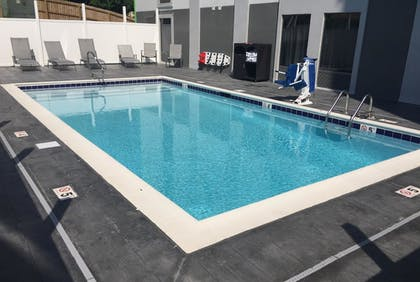 Pool | Wingate by Wyndham Louisville Fair and Expo