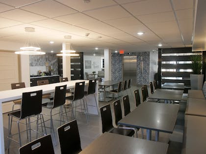 Breakfast Area | Wingate by Wyndham Louisville Fair and Expo
