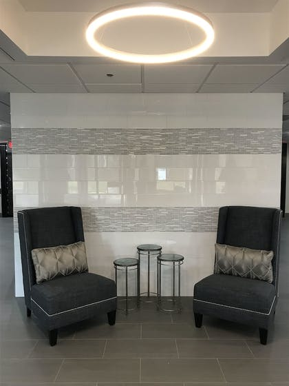 Lobby Sitting Area | Wingate by Wyndham Louisville Fair and Expo