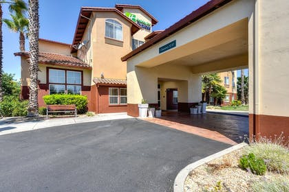 Exterior | Holiday Inn Express Hotel & Suites Manteca
