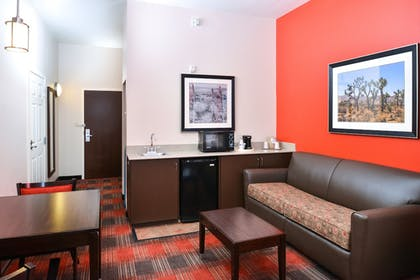 Room | Holiday Inn Express Hotel & Suites Kingman