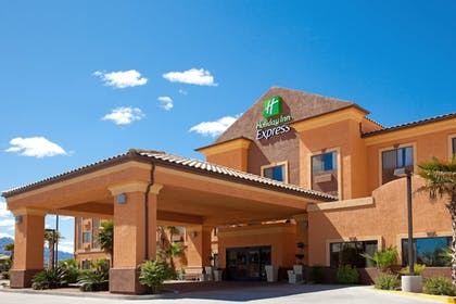 Featured Image | Holiday Inn Express Hotel & Suites Kingman