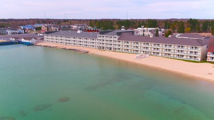Aerial View | Hamilton Inn Select Beachfront