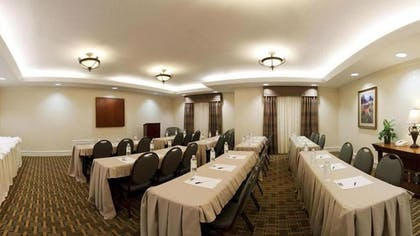 Meeting Facility   Holiday Inn Express & Suites Waxahachie