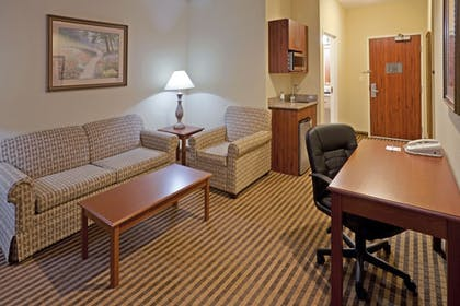Guestroom   Holiday Inn Express & Suites Waxahachie