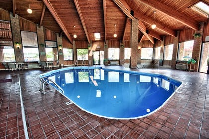 Pool | Christopher Inn and Suites